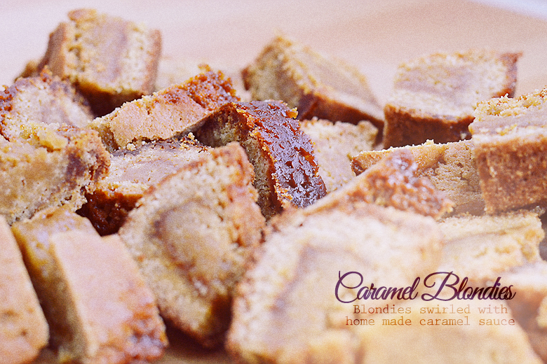 Caramel Blondies / bananabloom.com #caramel #homemade #baking #blondies