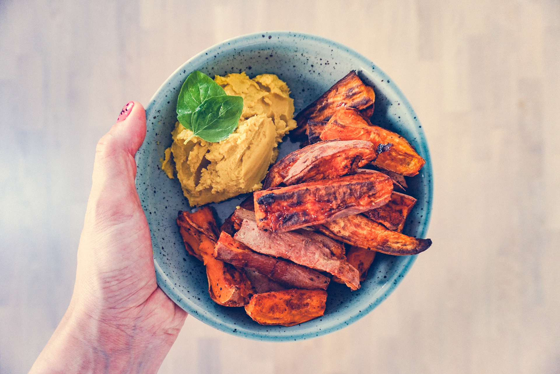 Sweet Potato Fries with Turmeric Guacamole | http://BananaBloom.com